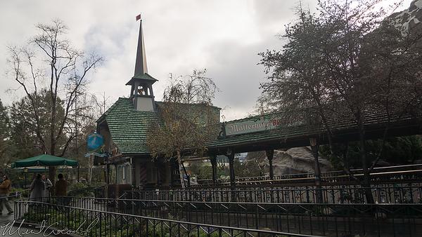 Disneyland Resort, Disneyland, Fantasyland, Matterhorn