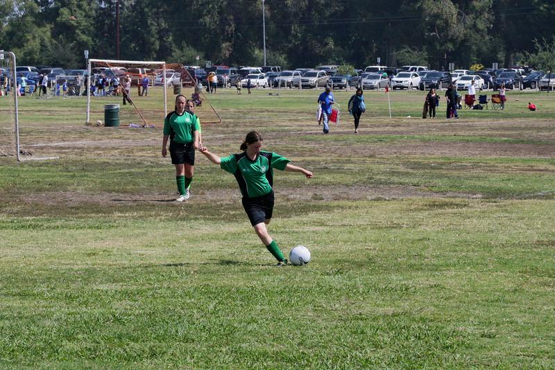 Soccer2011-09-17 12-09-03.JPG