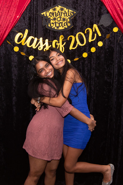 2021 06 Arushi Graduation Party 079.jpg