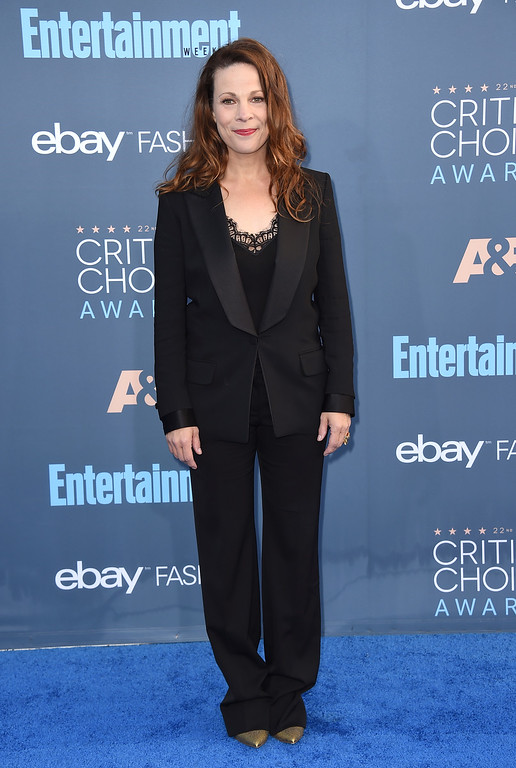 . Lili Taylor arrives at the 22nd annual Critics\' Choice Awards at the Barker Hangar on Sunday, Dec. 11, 2016, in Santa Monica, Calif. (Photo by Jordan Strauss/Invision/AP)