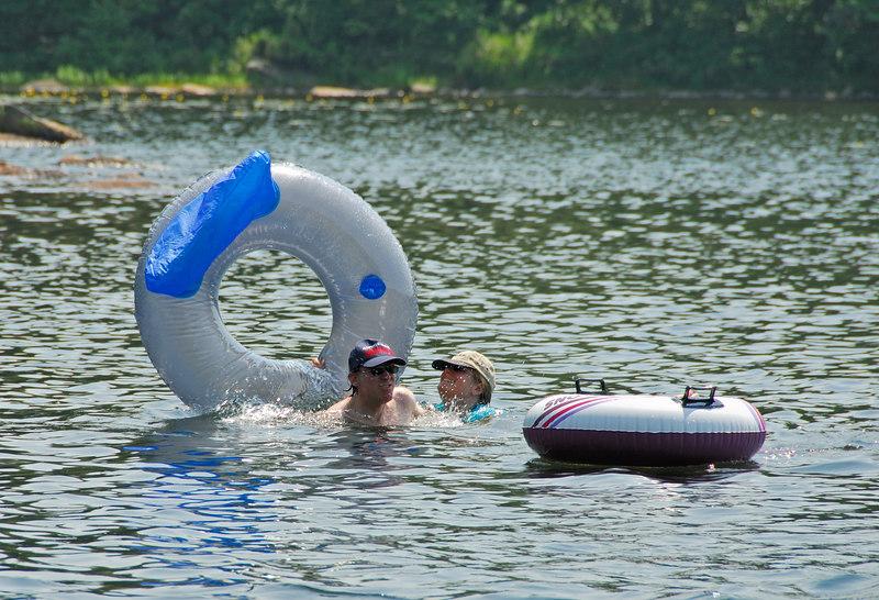 Scott and Caroline in South Pond   (Jul 03, 2006, 02:27pm)
