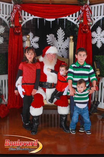 Santa 12-10-16-181.jpg