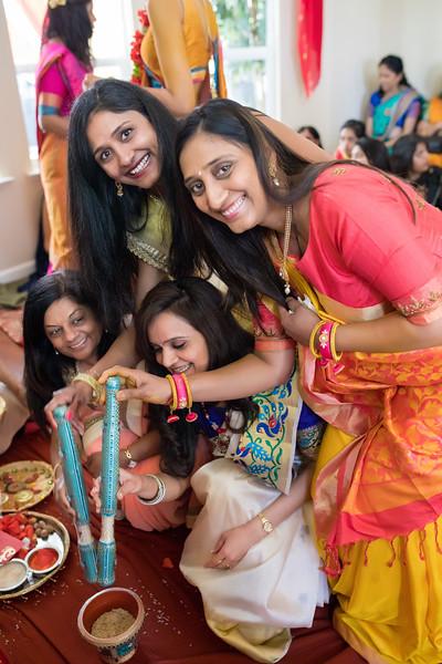 Hina_Pithi_Pooja-275.jpg
