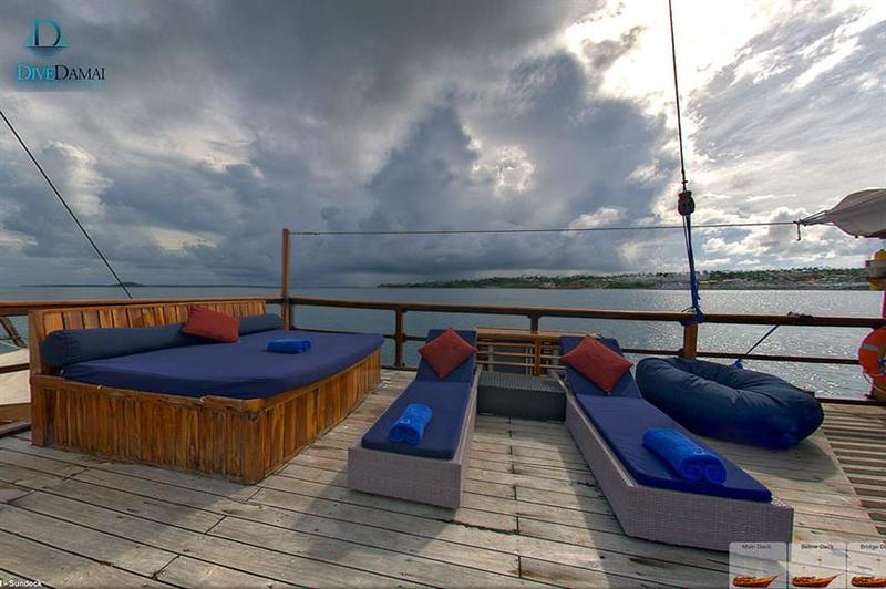 sun deck 1.jpg