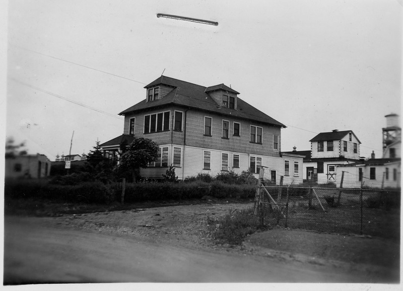 Photo of a building that saton the western end of the Tuscan Dairy Union Ave. property in 1939.