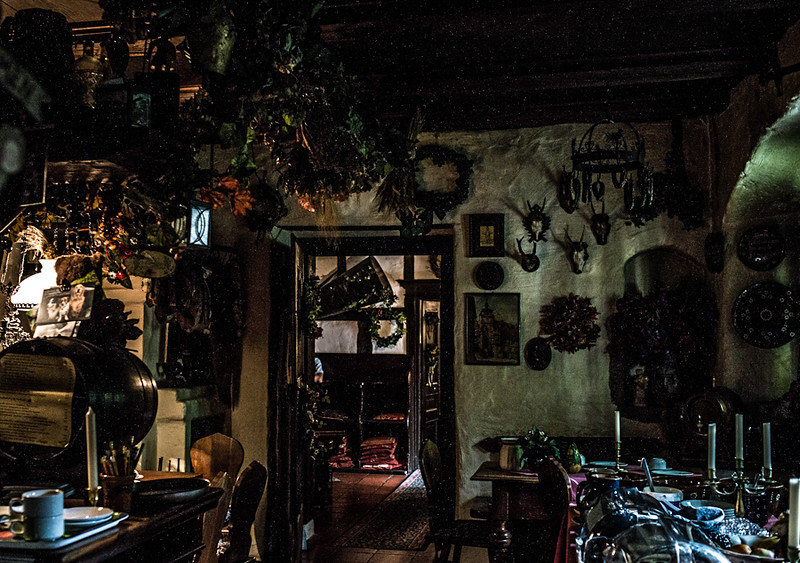 Mary_Europe_2012-12.jpg