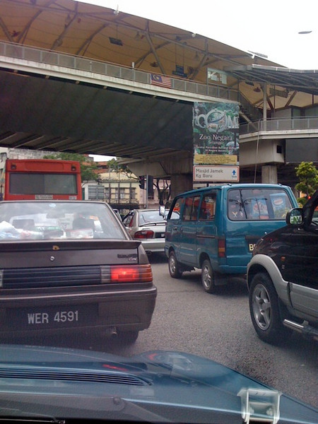 Even though most roads are empty as most of the city dwellers has already left, Batu Road was in a gridlock!