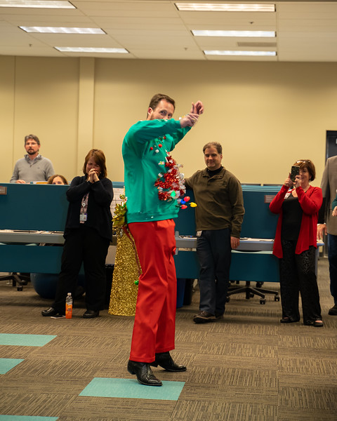 Resource Group Holiday Party 2019-00732.jpg