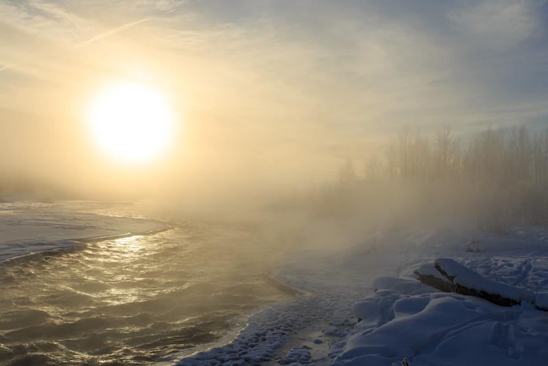 Foggy Sunrise over the Gallatin River. 6598