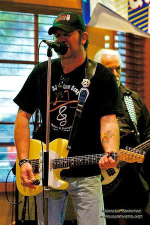 The Joe Bayer band - Cody's BBQ - 05.04.12