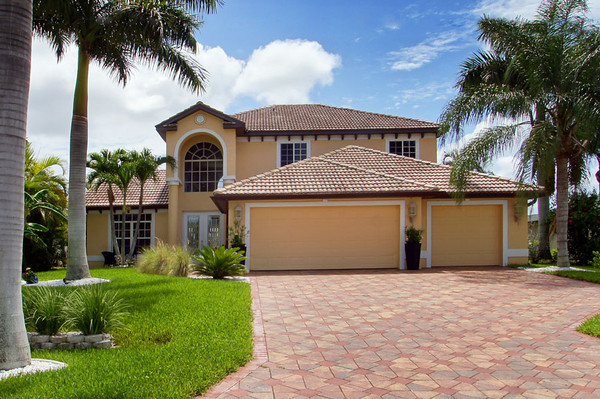 Cape Coral Homes For Sale, Presented by Roland Theis P.A. Cape Coral, Florida