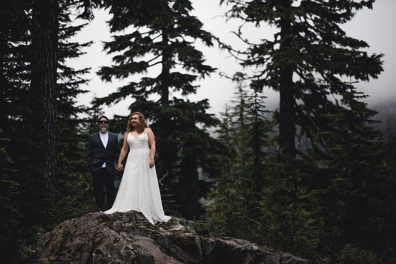 Travel Adventure Wedding Photographer - Mt Rainier - Rose-25.jpg