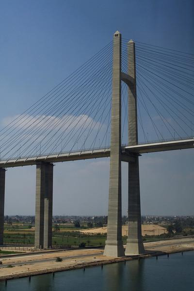 Bridge across the Suez 2.jpg