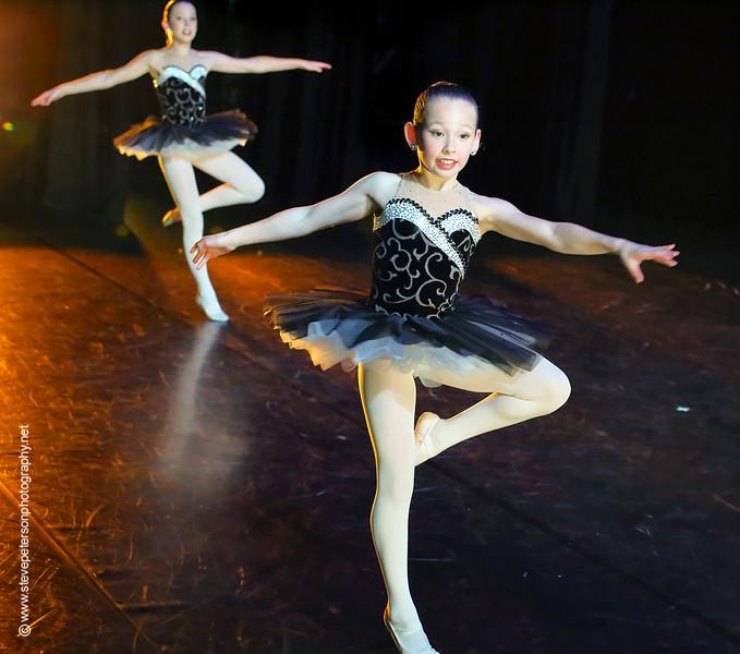 Curio Dance Company, Drop the Mic dancers