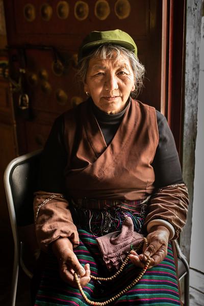 Tibetan woman-3.jpg