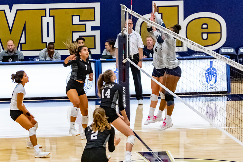 HPU vs NDNU Volleyball-71752.jpg