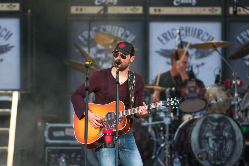 Eric Church No Shoes 13-126.jpg