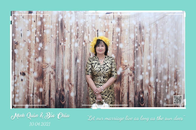 QC-wedding-instant-print-photobooth-Chup-hinh-lay-lien-in-anh-lay-ngay-Tiec-cuoi-WefieBox-Photobooth-Vietnam-cho-thue-photo-booth-107.jpg