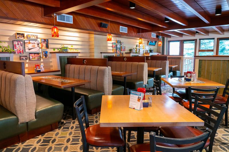 FOX-CHL-18-diningroom-097-web.jpg