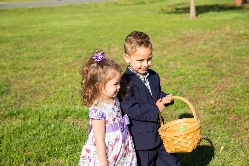 All participants in the Easter Activites can freely print any photo