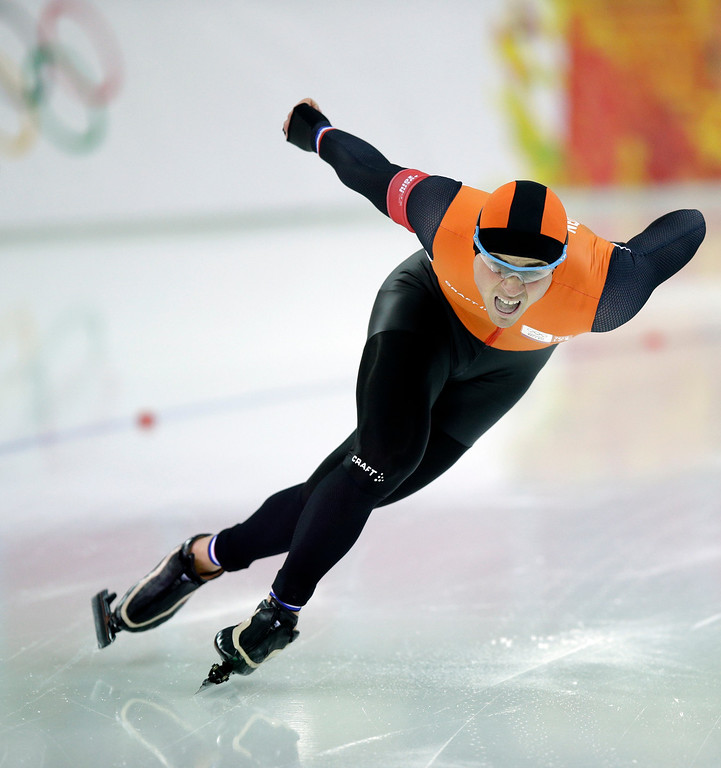 . Silver medallist Jan Smeekens of the Netherlands competes in the second heat of the men\'s 500-meter speedskating race at the Adler Arena Skating Center during the 2014 Winter Olympics, Monday, Feb. 10, 2014, in Sochi, Russia. (AP Photo/Pavel Golovkin)