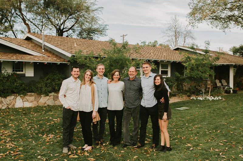 Aton Family 2017-0002.jpg