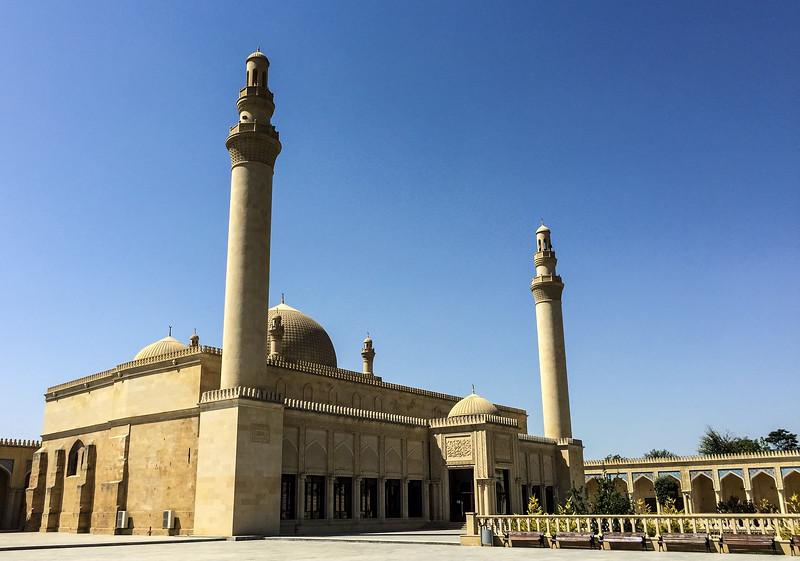 Azerbaijan.ShamahaMosque140.jpg