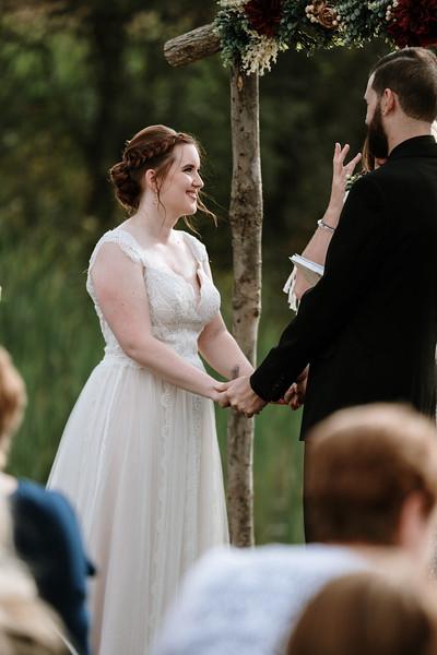 rustic_ohio__fall_barn_wedding-221.jpg