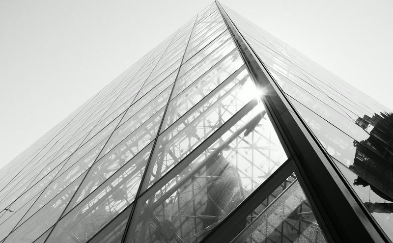 Louvre Pyramid F0286.jpg