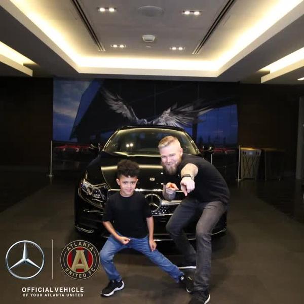 Mercedes_0024.mp4