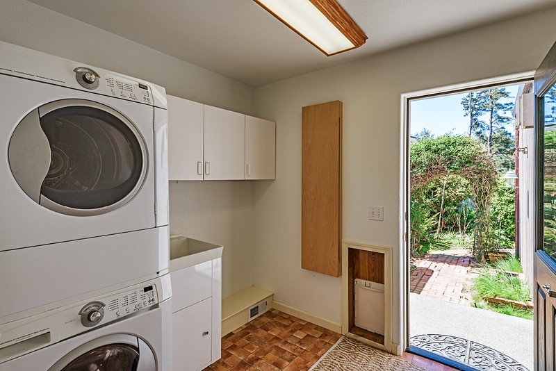 Laundry Room and Entry to Back Courtyard