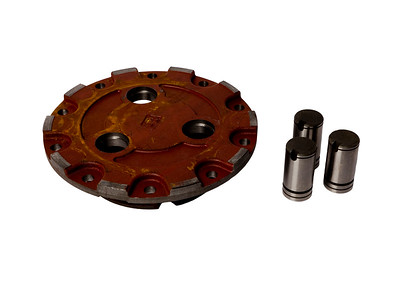 MASSEY FERGUSON 4WD HUB COVER AND PINS 3545528M1