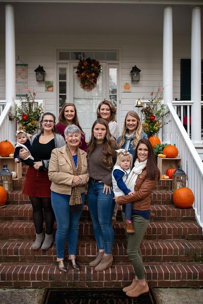 2019 November Ellis Family-199-162.jpg