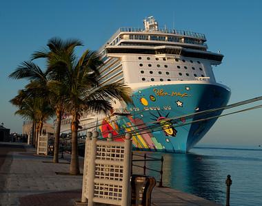 Celebrity Summit & Norwegian Breakaway Bermuda 2014