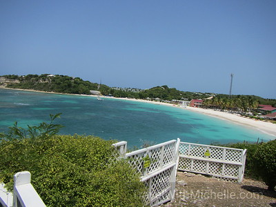 Grand Pineapple - Antigua