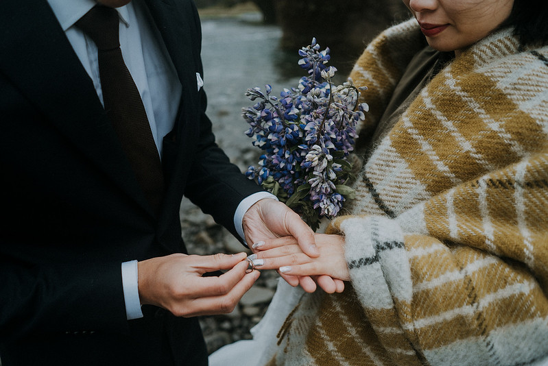 Tu-Nguyen-Destination-Wedding-Photographer-Iceland-Elopement-Fjaðrárgljúfur-16-150a-35.jpg