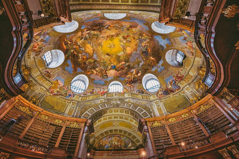 Vienna-Biblioteck-4.jpg