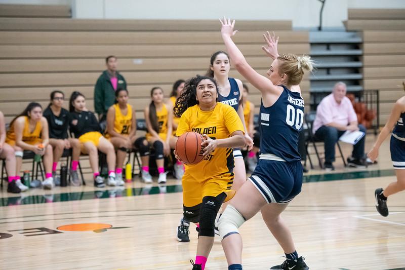 Basketball-W-2020-01-31-7737.jpg