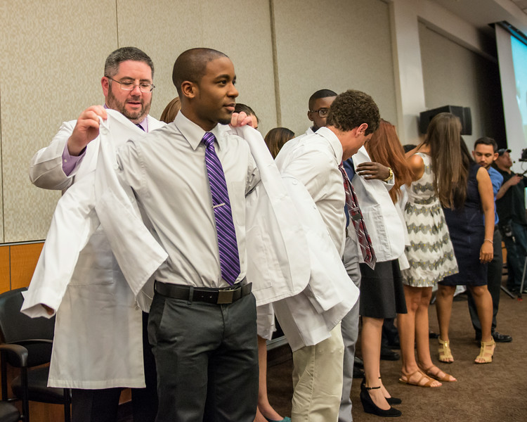2014 White Coat Ceremony-123.jpg