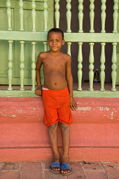 Cuba Trinidad boy in red shorts 7689.jpg