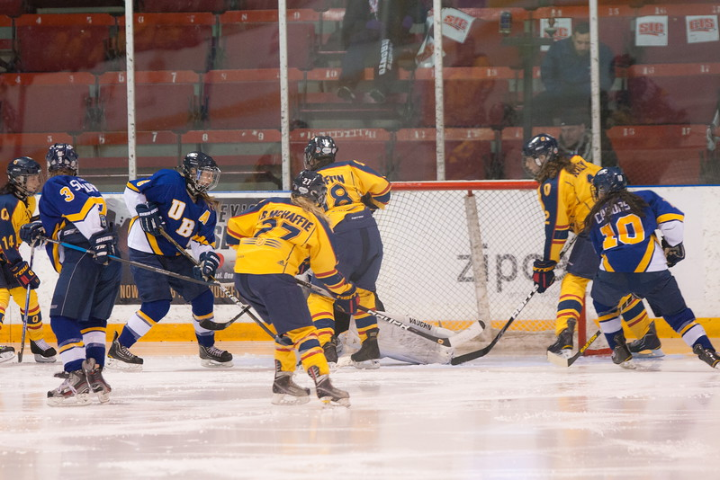 20130310 QWHockeyvsUBC 534.jpg