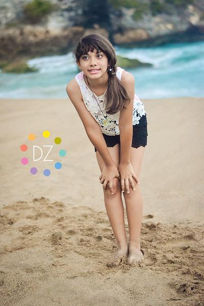 © 2014 DAYNA ZOE
