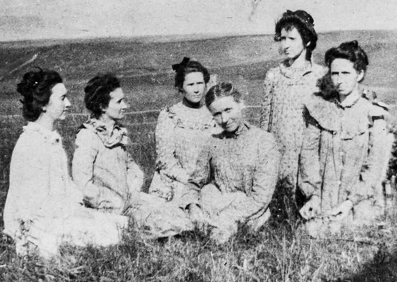 Mary Kelley Carlin 1895 when Fayette was 2 years old - 1.jpg