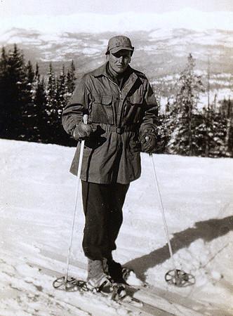 Frank Penny 1944.jpg