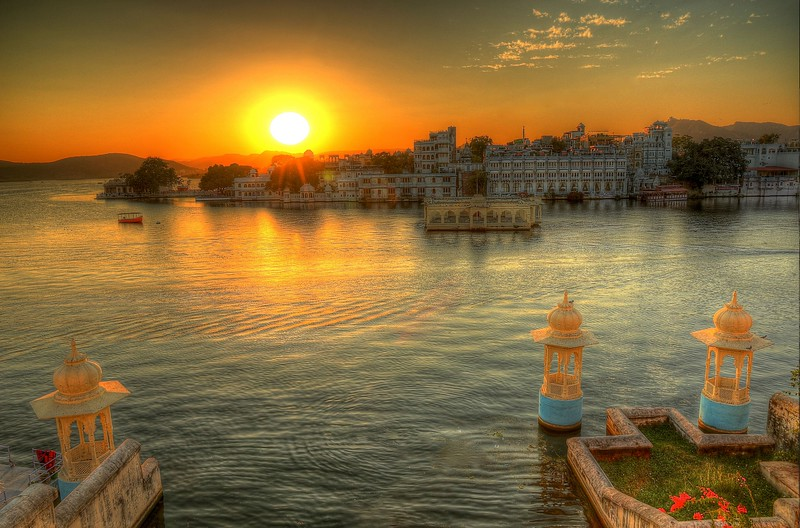 Sunset over Lake Pichola - Udaipur