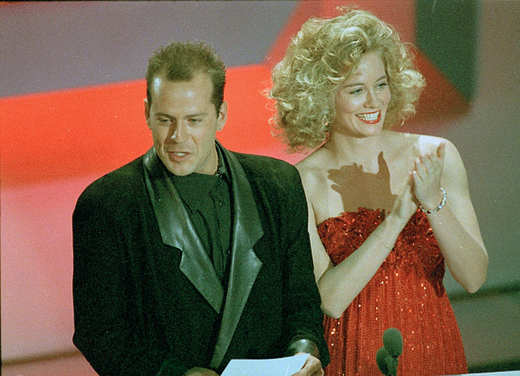 """. Cybill Shepherd and Bruce Willis, co-stars of ABC\'s \""""Moonlighting,\"""" are shown during the Emmy Awards telecast in Los Angeles, Sept. 20, 1986.  (AP Photo)"""