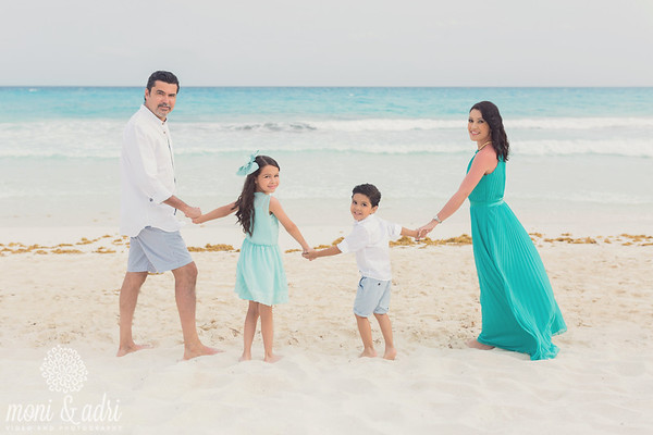 Estela & Roberto Family _ TOP PHOTOS