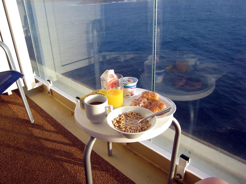 Arriving Nawiliwili, Kauai - Breakfast on the Balcony