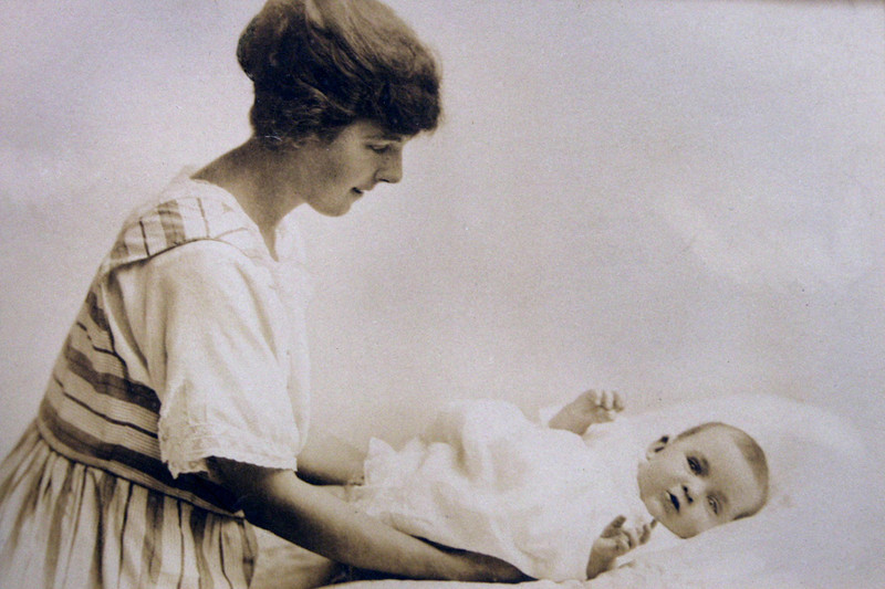 Alice Grace (Williams) Storey and daughter Joan Everard Storey