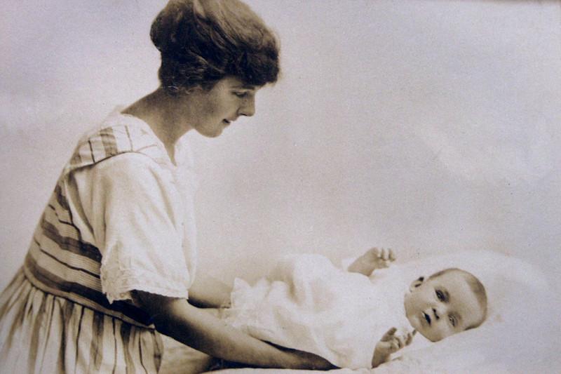 Alice Grace (Williams) Storey and daughter Joan Everard Storey